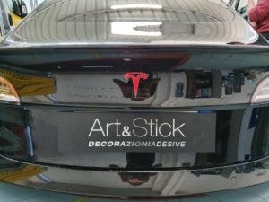 Personalizzazione loghi Tesla model 3 bagagliaio
